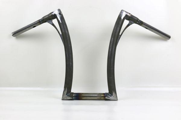 """Flow-bar Lenker SUPER FAT aus 1,4"""" Rohr, extra hoch, alle M8 Softail Mod. mit 1¼ """" Risers, elek. Gas"""