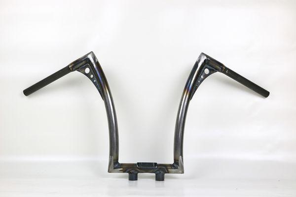 Bonanza Lenker FAT, extra hoch, mit Motogadget Tachogeh. + Motorkontr.leuchteng. u. integr. Riser,
